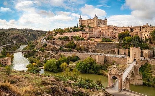 Cathedral「Toledo view from alcantara bridge, Spain」:スマホ壁紙(0)