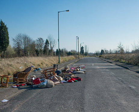 Spilling「Fly tipping on abandoned road」:スマホ壁紙(9)