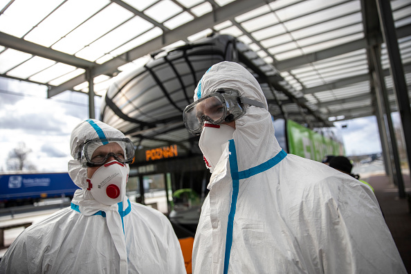Poland「Border Guards Check Incoming Travellers For Coronavirus Infection」:写真・画像(6)[壁紙.com]