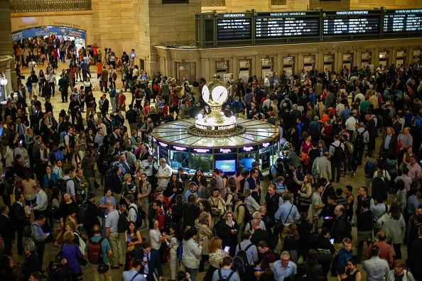Commuter「Severe Thunderstorm Snarls Evening Commute At New York's Grand Central, As Many Trains Suspended」:写真・画像(3)[壁紙.com]