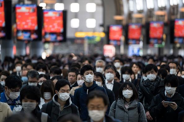 Commuter「Japan Battles Against The Coronavirus Outbreak」:写真・画像(12)[壁紙.com]