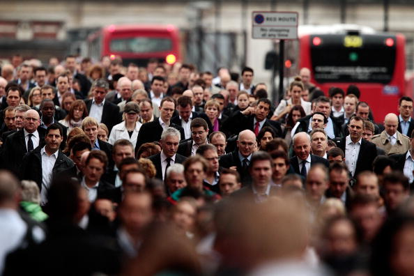 Commuter「The London Underground Grinds To A Halt As RMT Workers Hold A 24 Hour Strike」:写真・画像(4)[壁紙.com]