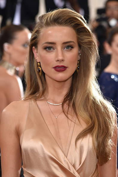 "Amber Heard「""Manus x Machina: Fashion In An Age Of Technology"" Costume Institute Gala - Arrivals」:写真・画像(3)[壁紙.com]"