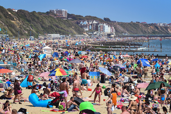 Beach「May Bank Holiday In The UK Amid Coronavirus Lockdown」:写真・画像(12)[壁紙.com]