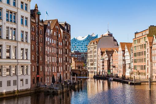 Germany「Germany, Hamburg, Old Town, Town houses at Nikolai Fleet」:スマホ壁紙(12)