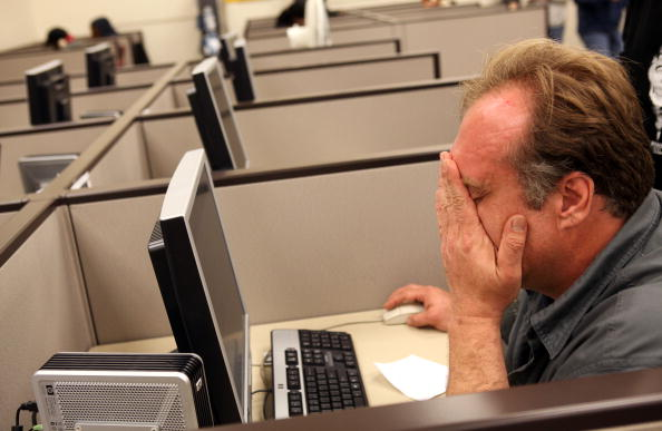 Working「Weekly Jobless Numbers Unexpectedly Rise」:写真・画像(2)[壁紙.com]