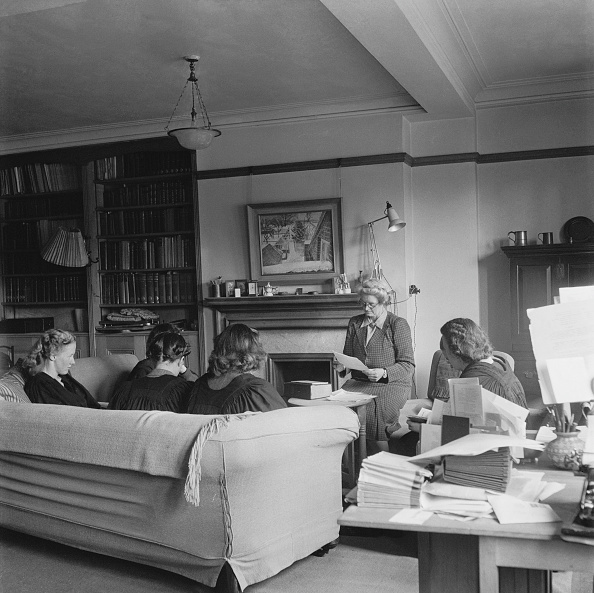 1900「Classics Tutorial At Girton College」:写真・画像(14)[壁紙.com]