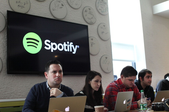Loading「Online Music Streaming Service Spotify Holds Press Event In New York」:写真・画像(3)[壁紙.com]