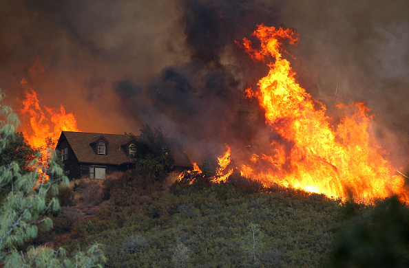 Fire - Natural Phenomenon「Wildfire Grows Rapidly In California's Lake County」:写真・画像(13)[壁紙.com]