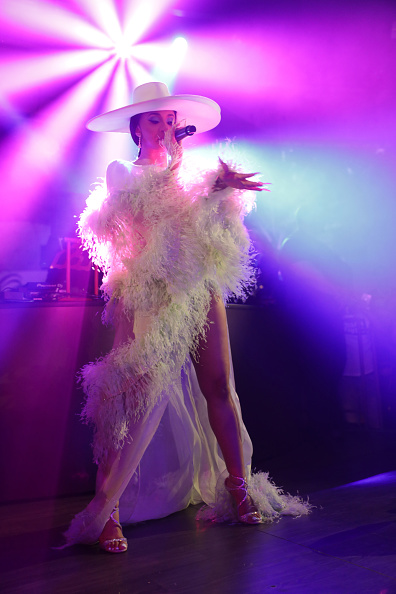 Feather「Night Two At Palms Casino Resort's KAOS Dayclub & Nightclub With Cardi B, G-Eazy, J Balvin For Grand Opening Weekend」:写真・画像(9)[壁紙.com]