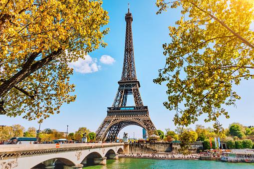 France「Eiffel Tower in Paris, France」:スマホ壁紙(1)