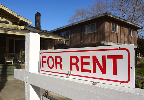 Bungalow「 For Rent real estate sign outside a home in California」:スマホ壁紙(3)