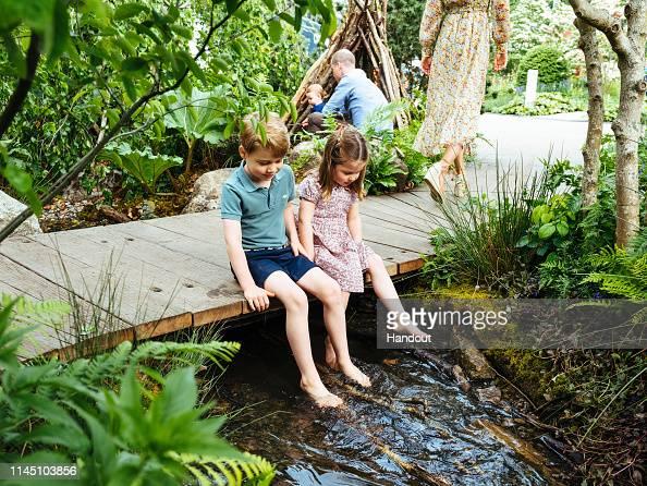 Kensington Palace「Duchess of Cambridge Visits RHS Chelsea Flower Show garden」:写真・画像(15)[壁紙.com]