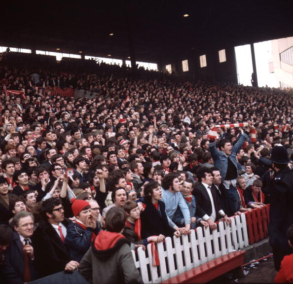 Stadium「Liverpool Supporters」:写真・画像(9)[壁紙.com]
