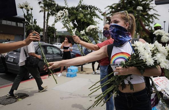 平穏「National Guard Called In As Protests And Unrest Erupt Across Los Angeles Causing Widespread Damage」:写真・画像(8)[壁紙.com]