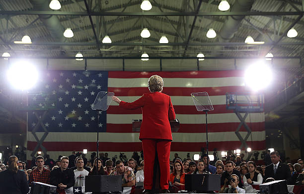 Hillary Clinton Campaigns In Ohio Ahead Of Election:ニュース(壁紙.com)