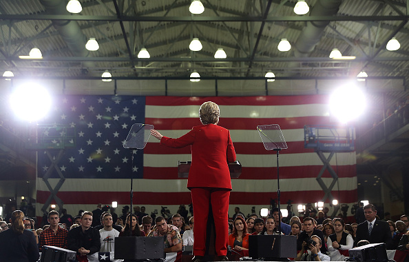 2016 United States Presidential Election「Hillary Clinton Campaigns In Ohio Ahead Of Election」:写真・画像(18)[壁紙.com]