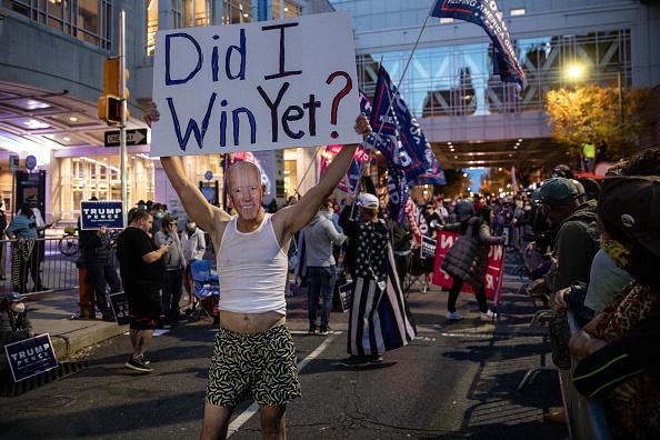 Philadelphia - Pennsylvania「Protests Continue In Philadelphia As Pennsylvania Counts Votes」:写真・画像(8)[壁紙.com]