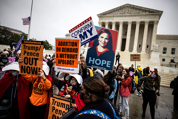 Effort「Protests And Rallies Held On First Day Of Amy Coney Barrett's Supreme Court Confirmation Hearing」:写真・画像(13)[壁紙.com]