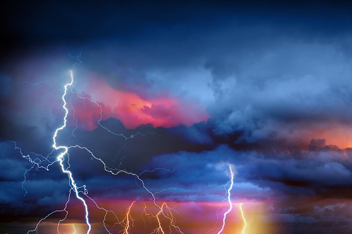 Forked Lightning「Lightning during summer storm」:スマホ壁紙(9)
