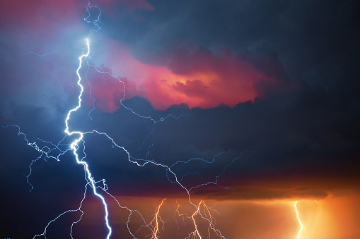 Forked Lightning「Lightning during summer storm」:スマホ壁紙(8)