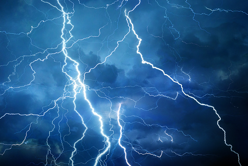 Forked Lightning「Lightning during summer storm」:スマホ壁紙(1)