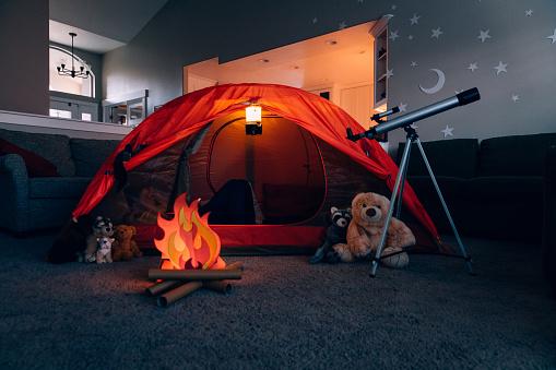Tent「Boy Camping Indoors」:スマホ壁紙(7)
