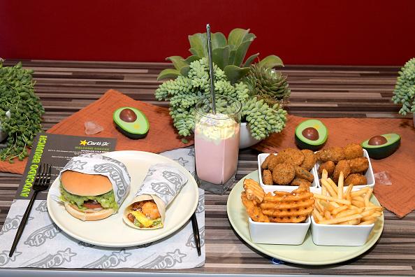 Tortilla Dish「Carl's Jr. Ultimate Avocado Brunch In Santa Monica」:写真・画像(18)[壁紙.com]