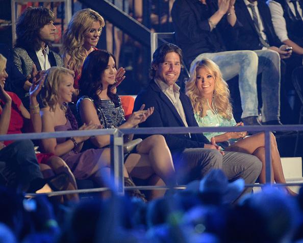 NHL Award「2013 CMT Music Awards - Backstage & Audience」:写真・画像(2)[壁紙.com]