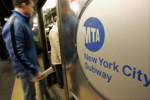 Subway Train「New York Subway Celebrates 100 Years」:写真・画像(7)[壁紙.com]