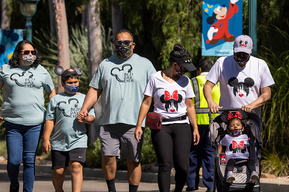 Holiday - Event「Disneyland Reopens For First Time Since Beginning Of Pandemic」:写真・画像(13)[壁紙.com]