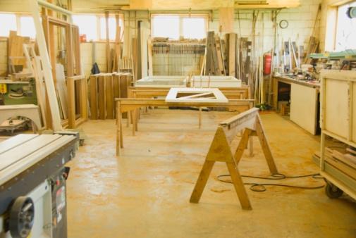Carpentry「In a wooden workshop」:スマホ壁紙(19)