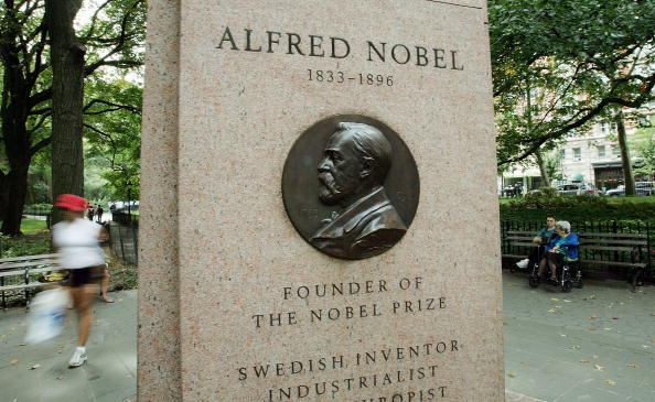 Chemical「Americans Sweep Physics, Chemistry And Medicine Nobel Prizes」:写真・画像(9)[壁紙.com]