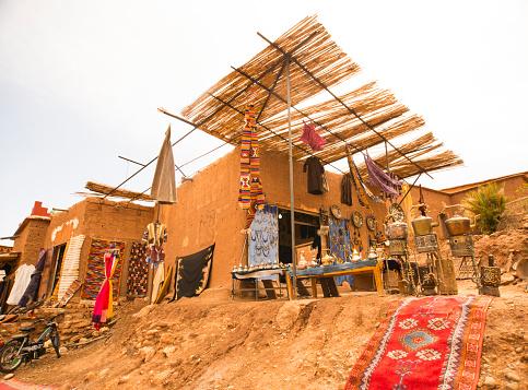 アトラス山脈「Berber Shop in Ait Benhaddou (ancient village) in Atlas Mt. in Morocco UNESCO.」:スマホ壁紙(17)