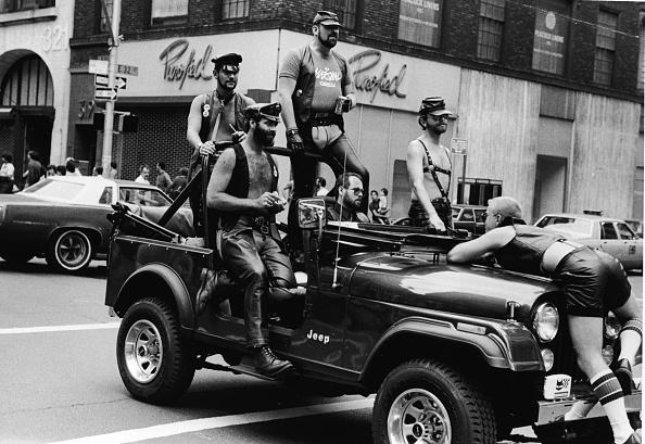 Leather「Leathermen in Gay Pride Parade」:写真・画像(4)[壁紙.com]