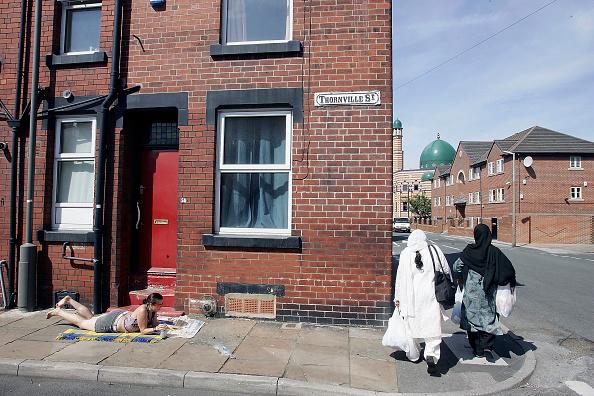 Burley - England「Police Focus On Suspected Suicide Attackers In Leeds Area」:写真・画像(4)[壁紙.com]