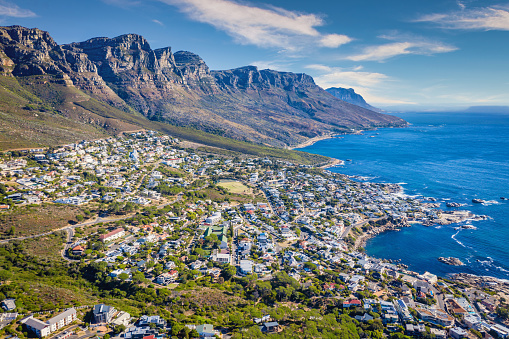 Bungalow「Cape Town Camps Bay Scenic Drone Aerial View South Africa」:スマホ壁紙(0)