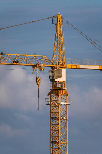 Passenger Cabin「Building crane at a building site, Reykjavik, Iceland」:スマホ壁紙(16)
