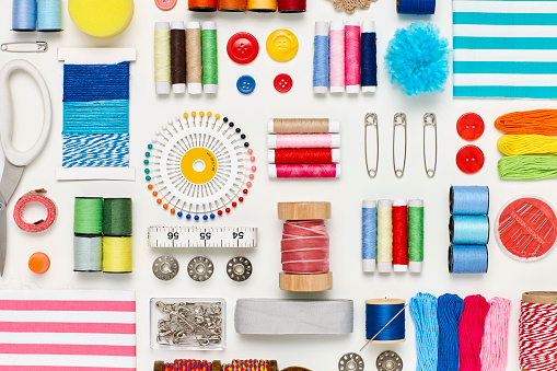 Thread - Sewing Item「Overhead flat lay of various sewing items on white background」:スマホ壁紙(10)