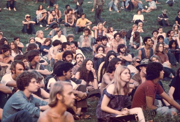 1969「Audience At Woodstock」:写真・画像(13)[壁紙.com]