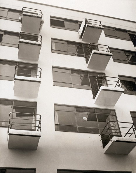Architecture「Gropius Bauhaus in Dessau」:写真・画像(16)[壁紙.com]