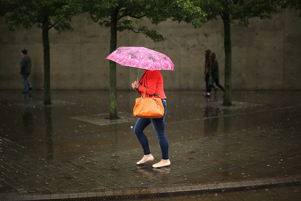 Shower「Heavy Rain Sweeps Britain For A Second Day」:写真・画像(18)[壁紙.com]