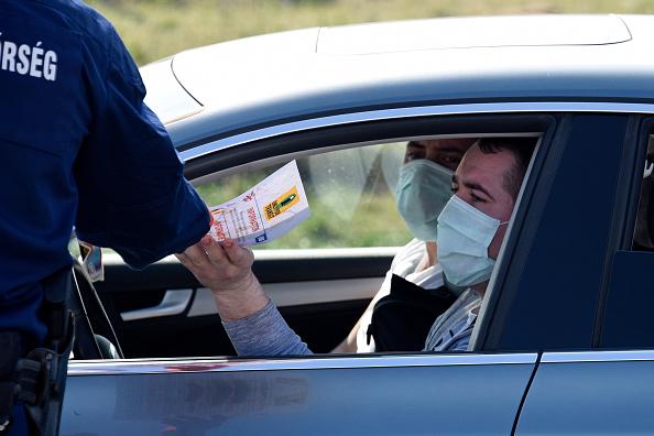 Austria「Long Queues At Austrian-Hungarian Border Due To Coronavirus Containment Measures」:写真・画像(11)[壁紙.com]