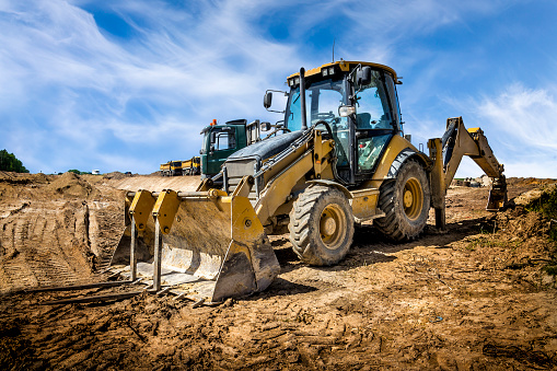 Earth Mover「The yellow eart mover on the construction of highway, Poland」:スマホ壁紙(13)