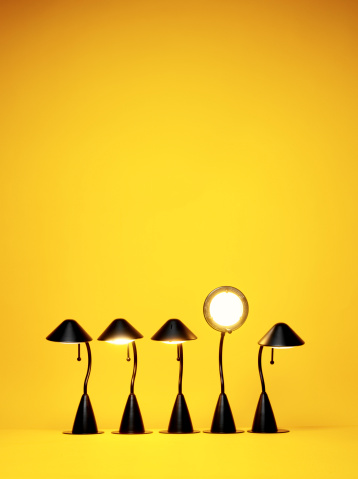 Standing Out From The Crowd「Bright Idea, Five desk lamps against yellow」:スマホ壁紙(8)