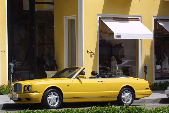 Yellow「Stores On Rodeo Drive」:写真・画像(19)[壁紙.com]