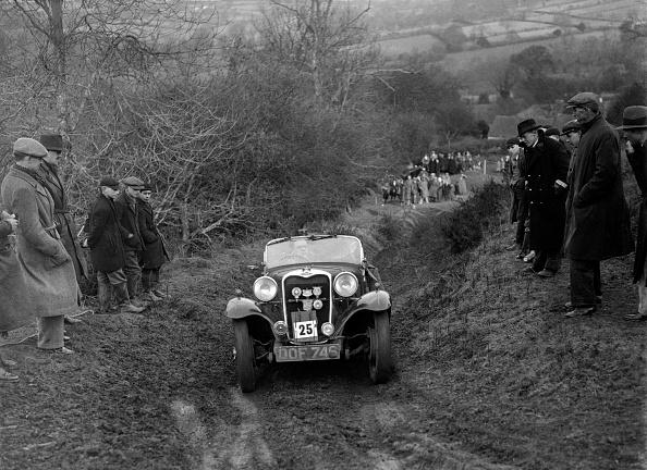 E「Singer of E Bunn competing in the MG Car Club Midland Centre Trial, 1938」:写真・画像(19)[壁紙.com]
