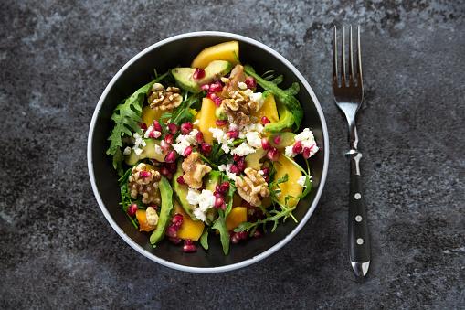Nut - Food「Bowl of avocado salad with rocket, pomegranate seed, kaki, feta and walnuts」:スマホ壁紙(17)