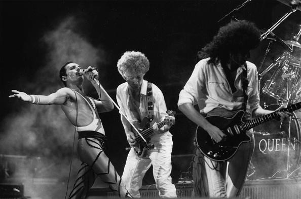 Rock Music「Queen Live」:写真・画像(4)[壁紙.com]