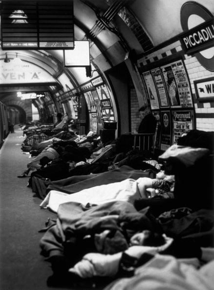 World War II「Platform Sleepers」:写真・画像(4)[壁紙.com]